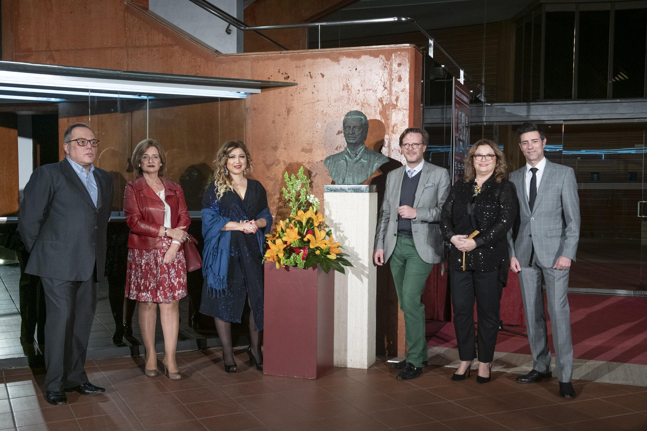 Ofrenda floral a Alfredo Kraus en el 92 aniversario de su nacimiento